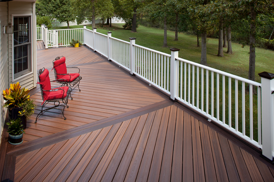 Evergrain Envision Decks Swiss Valley Fence Swiss